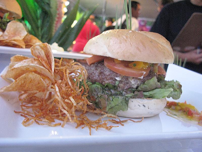 サイパン(ガラパン) お祭 ハンバーガー