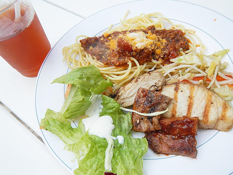 マニャガハ島 昼食